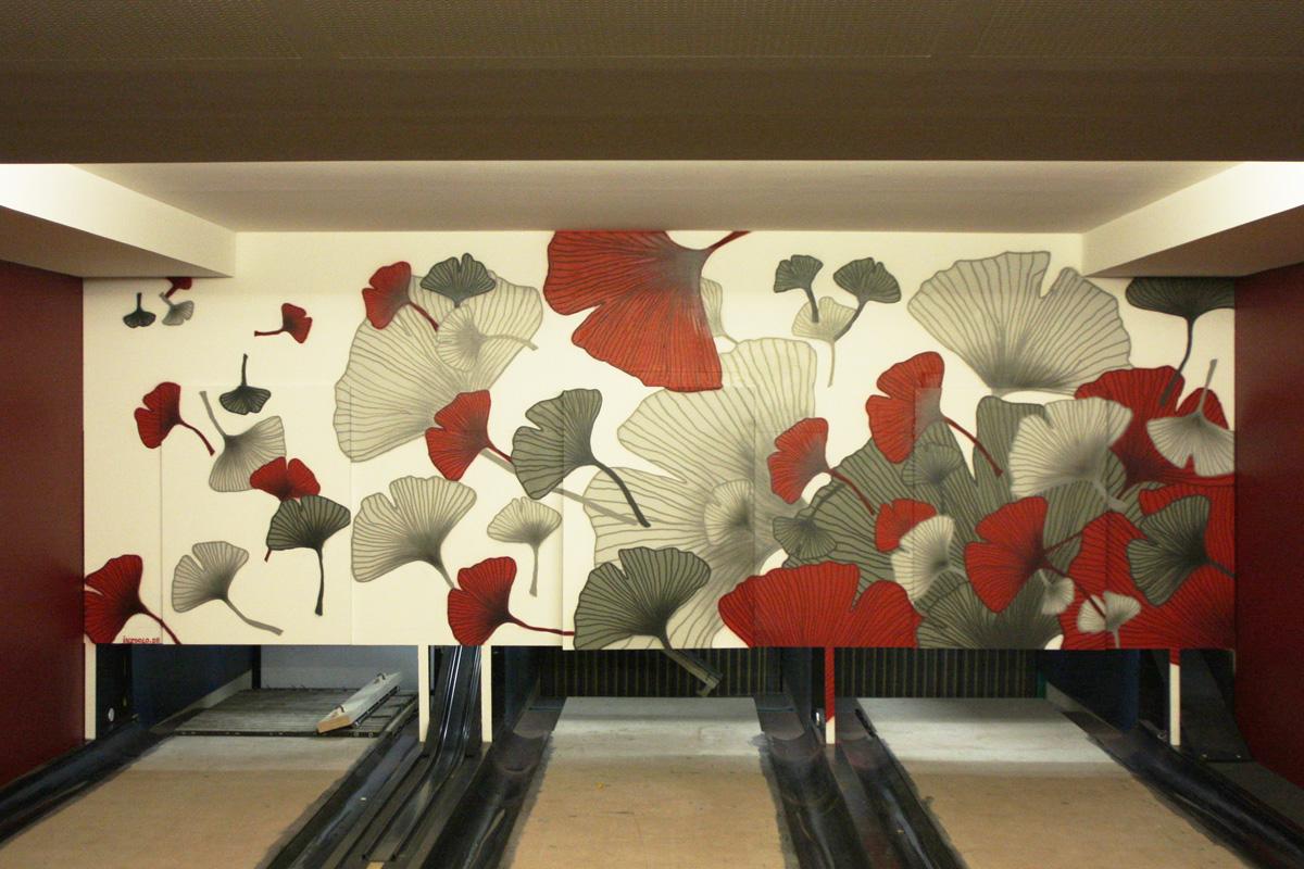 Wandgestaltung und Graffiti an einer Bowlingbahn